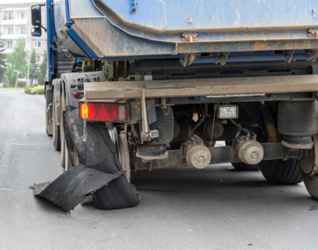 Eclatement pneu camion