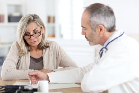 Ménopause, le traitement hormonal