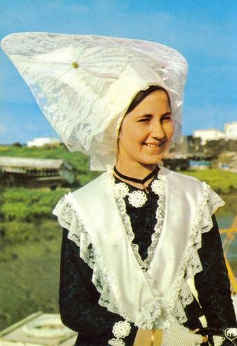 Coiffe de mariée de l'île d'Oléron portée autrefois
