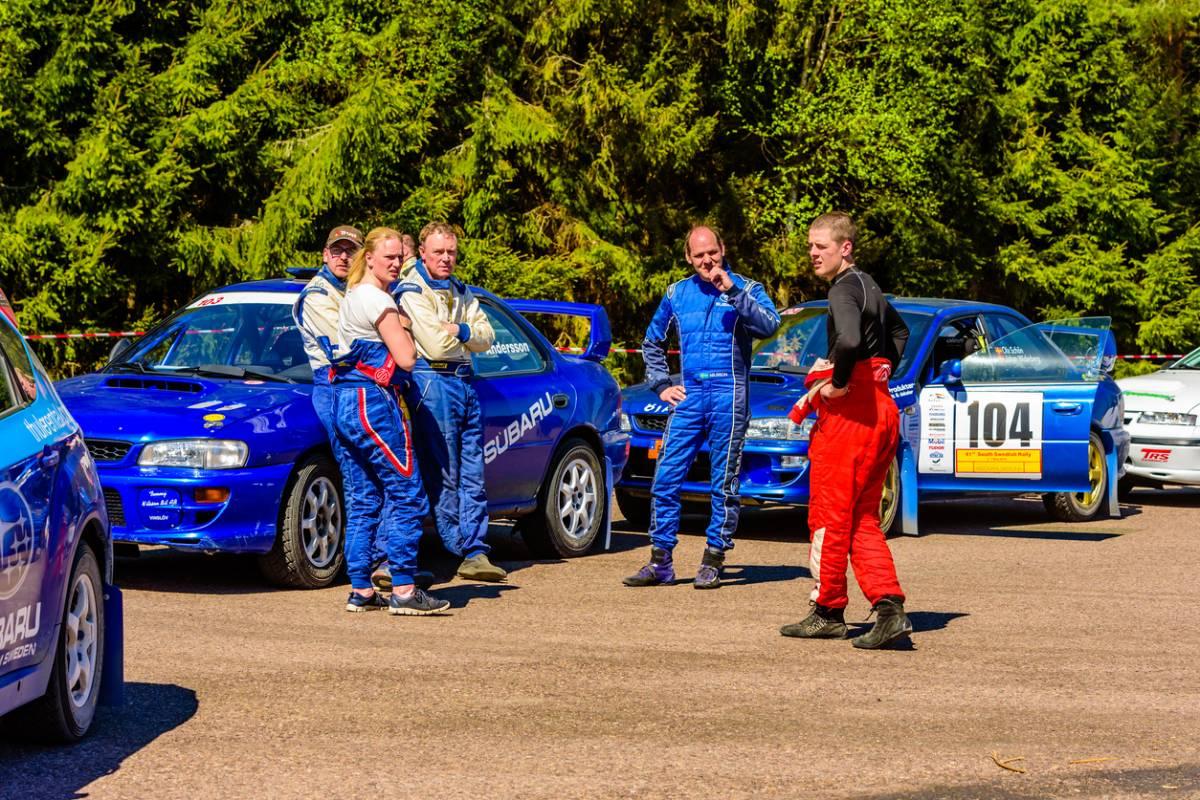 équipements indispensables au pilote de rallye