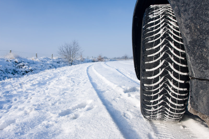 Chausser sa voiture de pneus neige