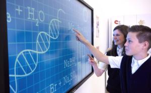 activpanel touch : l'apprentissage interactif au bout des doigts