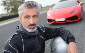 pratiquer un sport automobile