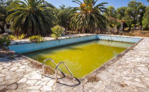 réhabiliter une piscine abandonnée