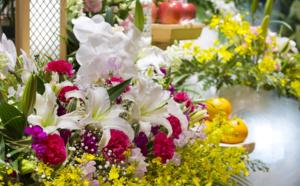 choisir et offrir les fleurs idéales pour un deuil